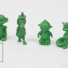 Figuras de Goma y PVC: 4 FIGURITAS DE PLÁSTICO DUNKIN - LENTO RODRIGUEZ, CANGURO BOXEADOR... LOONEY TUNES / WARNER - VERDE. Lote 128236400