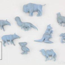 Figuras de Goma y PVC: 9 FIGURITAS DE PLÁSTICO DUNKIN - ANIMALES / FIERAS DEL ZOO - AZUL - AÑOS 60. Lote 128236740