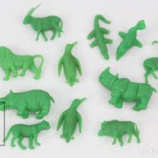 Figuras de Goma y PVC: 11 FIGURITAS DE PLÁSTICO DUNKIN - ANIMALES / FIERAS DEL ZOO - VERDE - AÑOS 60. Lote 128236780