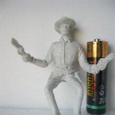 Figuras de Goma y PVC: FIGURA VAQUERO COWBOY CON REVOLVERES .- COMANSI VER FOTO ADICIONAL . Lote 128248975