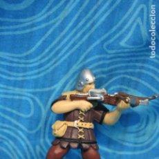 Figuras de Goma y PVC: FIGURA GOMA PAPO CABALLERO MEDIEVAL. Lote 128527967