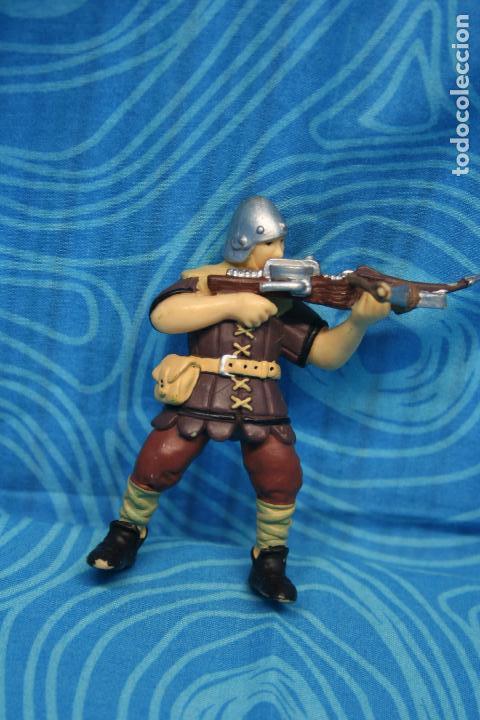 Figuras de Goma y PVC: FIGURA GOMA PAPO CABALLERO MEDIEVAL - Foto 2 - 128527967