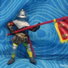 Figuras de Goma y PVC: FIGURA GOMA PAPO CABALLERO MEDIEVAL. Lote 128529095