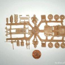 Figuras de Goma y PVC: ESJUSA - MONTAPLEX - CURIOSA COLADA JEEP CON DOTACIÓN - COLOR FOTO. Lote 128579899