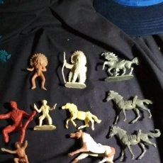 Figuras de Goma y PVC: LOTE DE INDIOS, VAQUEROS, CABALLOS, COMANSI Y VARIAS MARCAS . VER FOTOS. Lote 128837055