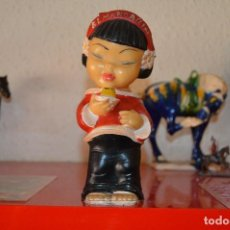 Figuras de Goma y PVC: MUÑECA - CHINITA - FLAN CHINO - EL MANDARIN - AÑOS 60 - ROJA. Lote 128927907