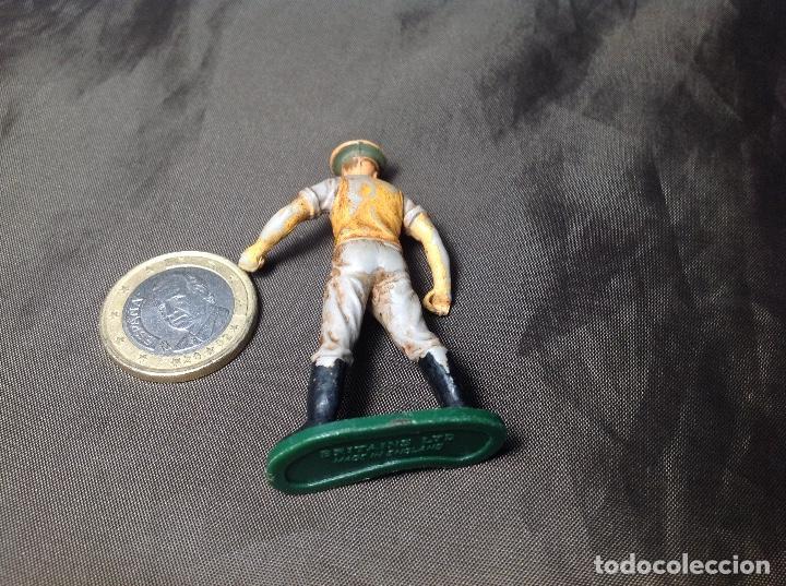 Figuras de Goma y PVC: Oficial inglés marca Britains incompleto - Foto 2 - 130413074
