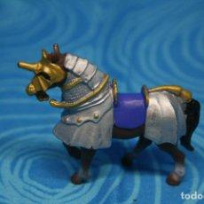 Figuras de Goma y PVC: CABALLO MEDIEVAL DE PLASTOY. Lote 130425650