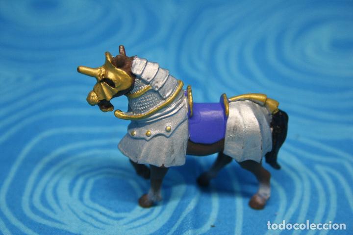 Figuras de Goma y PVC: CABALLO MEDIEVAL DE PLASTOY - Foto 2 - 130425650