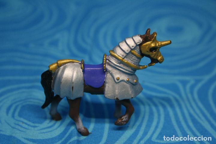 Figuras de Goma y PVC: CABALLO MEDIEVAL DE PLASTOY - Foto 3 - 130425650
