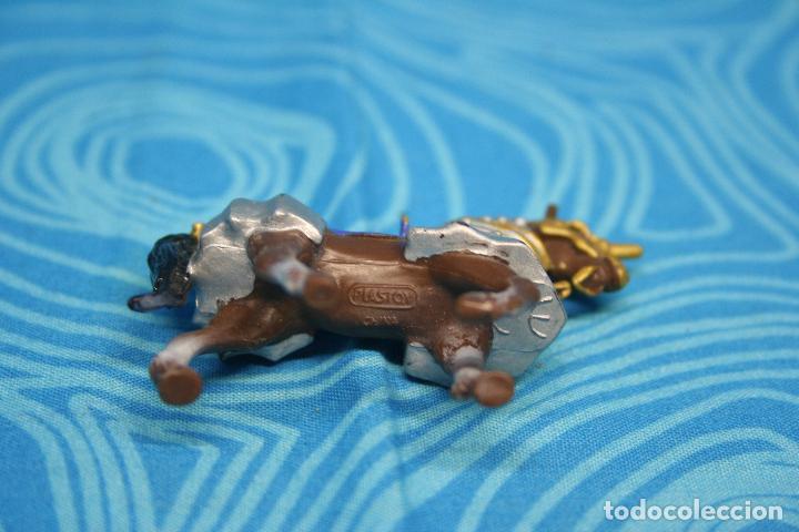 Figuras de Goma y PVC: CABALLO MEDIEVAL DE PLASTOY - Foto 6 - 130425650