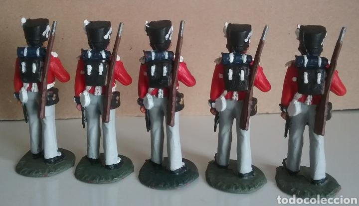 Figuras de Goma y PVC: Coldstream guards, soldados napoleónicos británicos, Timpo Waterloo, comp.Lafredo esc. britains - Foto 4 - 130516400