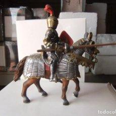Figuras de Goma y PVC: SCHLEICH MEDIEVAL A CABALLO 9 CTMS. Lote 130553022