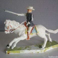 Figuras de Goma y PVC: OFICIAL YANKEE DE CHERILEA (UK), UNIÓN ,FEDERAL 7 CABALLERIA , VAQUEROS E INDIOS TAMAÑO BRITAINS. Lote 130589003