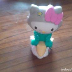 Figuras de Goma y PVC: JUGUETE MCDONALDS HAPPY MEAL HELLO KITTY SUBIDA EN UNA NUBE CON RUEDAS. BUEN ESTADO. Lote 130854960