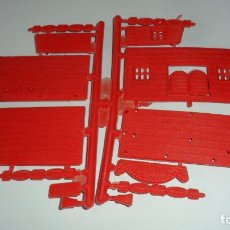Figuras de Goma y PVC: MONTAPLEX 451 SALOON. Lote 131097072