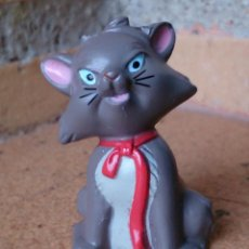 Figuras de Goma y PVC: FIGURA GOMA DURA MINIATURA DISNEY GATO LAZO ROJO. Lote 131509490