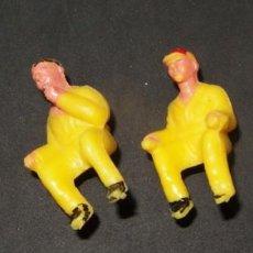 Figuras de Goma y PVC: 4 CHÓFERES O CONDUCTORES,DE LOS COCHES DE LA VUELTA CICLISTA DE SOTORRES,AÑOS 60. Lote 131938470