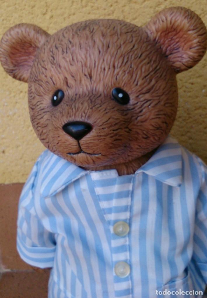 Figuras de Goma y PVC: Figura de plástico muy duro oso 34 cm vestido pijama - Foto 3 - 132073266