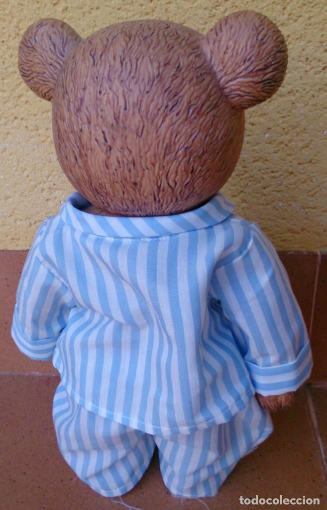 Figuras de Goma y PVC: Figura de plástico muy duro oso 34 cm vestido pijama - Foto 4 - 132073266