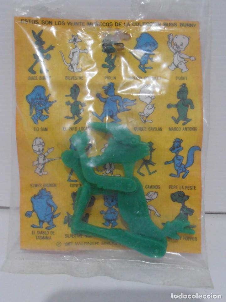 Figuras de Goma y PVC: FIGURA PROMOCIONAL WARNER DETERGENTE OMO, COYOTE, BOLSA ORIGINAL, DUNKIN - Foto 2 - 132078802