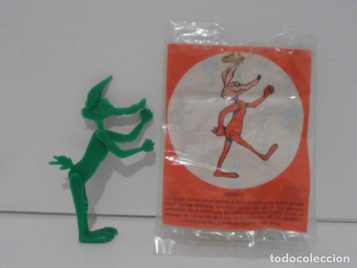 Figuras de Goma y PVC: FIGURA PROMOCIONAL WARNER DETERGENTE OMO, COYOTE, BOLSA ORIGINAL, DUNKIN - Foto 3 - 132078802