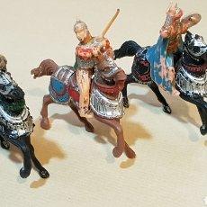 Figuras de Goma y PVC: JINETES Y CABALLOS ARABE MEDIEVAL CABALLERO REAMSA. Lote 132123525