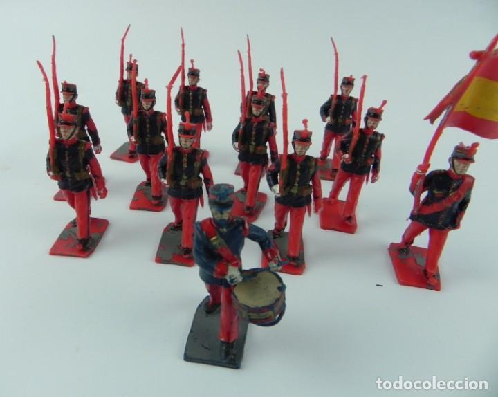 Figuras de Goma y PVC: Lote de 13 FIGURAS PLASTICO de la Guardia Real España, Reamsa, GOMARSA, Soldis, años 70, ABANDERADO - Foto 2 - 132256090