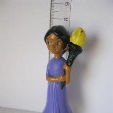 Figuras de Goma y PVC: FIGURA ,GOMA / PVC CHICA CON ANTORCHA DISNEY NESTLE LIVERPOOL. Lote 132571102