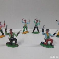 Figuras de Goma y PVC: SEIS VAQUEROS . REALIZADO POR M. SOTORES . AÑOS 60. Lote 132602474