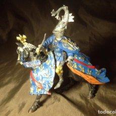 Figuras de Goma y PVC: CABALLERO MEDIEVAL AZUL JUSTAS PLASTOY . Lote 132723206