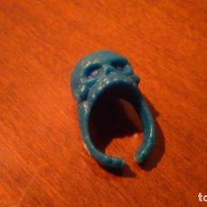 Figuras de Goma y PVC: ANILLO CALAVERA. Lote 132727766