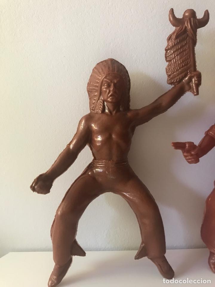 Figuras de Goma y PVC: 3 figuras indios y vaqueros - Foto 2 - 132753633