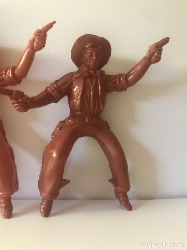 Figuras de Goma y PVC: 3 figuras indios y vaqueros - Foto 4 - 132753633