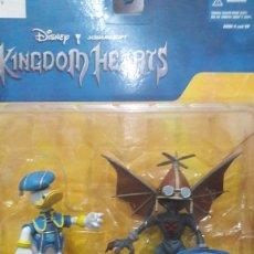 Figuras de Goma y PVC: DONALD WITH AIR SOLDIER DISNEY KINGDOM HEARTS. Lote 132767203