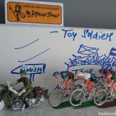 Figuras de Goma y PVC: VUELTA CICLISTA, CICLISTAS Y MOTORISTA GUARDIA CIVIL DE SOTORRES Y MOTOS GUISVAL O SIMILAR.. Lote 132770221