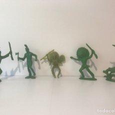 Figuras de Goma y PVC: 5 INDIOS TIPO COMANSI, PECH, REAMSA O JECSAN. Lote 132788791