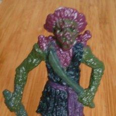 Figuras de Goma y PVC: FIGURA DISNEY TM ZIZZLE PIRATA FANTASMA. Lote 132809174