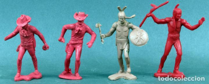 2 INDIOS Y 2 VAQUEROS PLÁSTICO SIN PINTAR AÑOS 70 (Juguetes - Figuras de Goma y Pvc - Pipero)