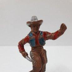 Figuras de Goma y PVC: VAQUERO CON PUÑAL . REALIZADO POR LAFREDO . AÑOS 50 EN GOMA. Lote 133025246