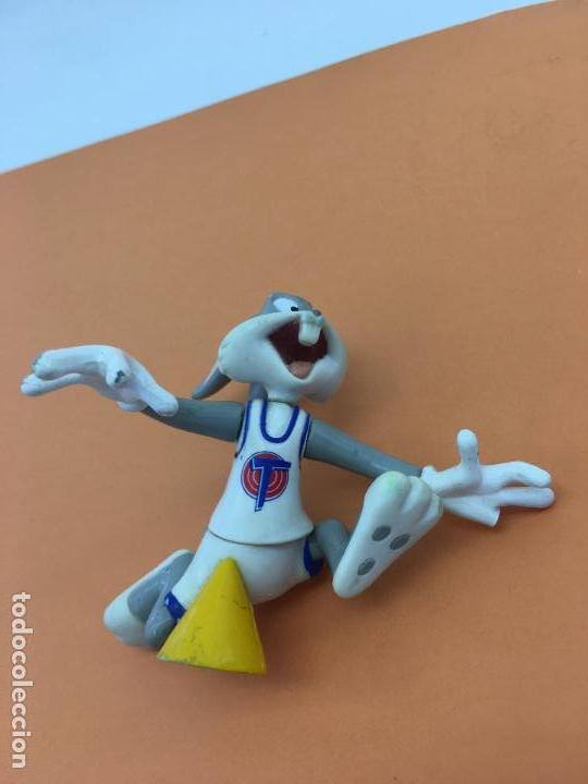 Figuras de Goma y PVC: FIGURITA ARTICULADA DE BUGS BUNNY - DE PVC O GOMA DURA - TM & WARNER BROS 1996 - Foto 8 - 133060578