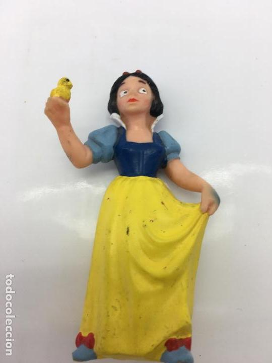 FIGURITA BLANCANIEVES - DE PVC O GOMA DURA - BULLYLAND . MADE IN CHINA - HANDPAINTED (Juguetes - Figuras de Goma y Pvc - Bully)