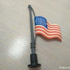 Figuras de Goma y PVC: BANDERA AMERICANA Y MASTIL EN PLASTICO REALIZADA POR COMANSI CJI FAMO. Lote 133538710