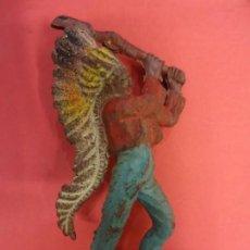 Figuras de Goma y PVC: PECH HNOS. INDIO DE GOMA. SERIE INDIOS Y COWBOYS. (1955). 60 MM.. Lote 133961258