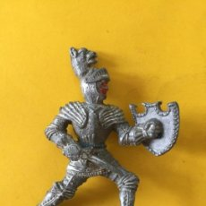 Figuras de Goma y PVC: FIGURA CABALLERO MEDIEVAL DE LAFREDO _LEY341. Lote 134047482