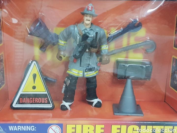 Figuras de Goma y PVC: Figura de 10 cm bombero con señales dangerous y herramientas de trabajo - Foto 2 - 134302298