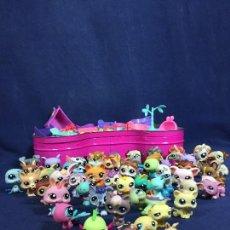Figuras de Goma y PVC: CAJA LITTLEST PET SHOP HASBRO VER FOTOS ACCESORIOS PARQUE MUY BUEN ESTADO 10X29X38CMS. Lote 134917066