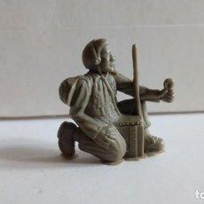Figuras de Goma y PVC: DUNKIN ORIGINAL SOLDADOS DEL MUNDO. SOLDADO U.S.A. AÑOS 60-70. MARINE AMERICANO Y RADIO.PREMIUM.PTOY. Lote 134994322