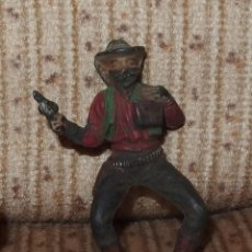 Figuras de Goma y PVC: BANDIDO CON BOLSA DE DINERO,PECH,GOMA,AÑOS 50. Lote 135152174