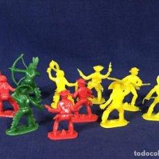 Figuras de Goma y PVC: LOTE 10 FIGURAS PLÁSTICO DURO INDIOS VAQUEROS ARCO FLECHA PISTOLAS MITAD S XX. Lote 135291098